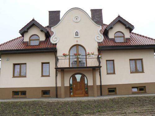 Dom jednorodzinny stolarka okienna PCV