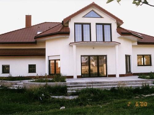 Dom jednorodzinny okna i drzwi PCV